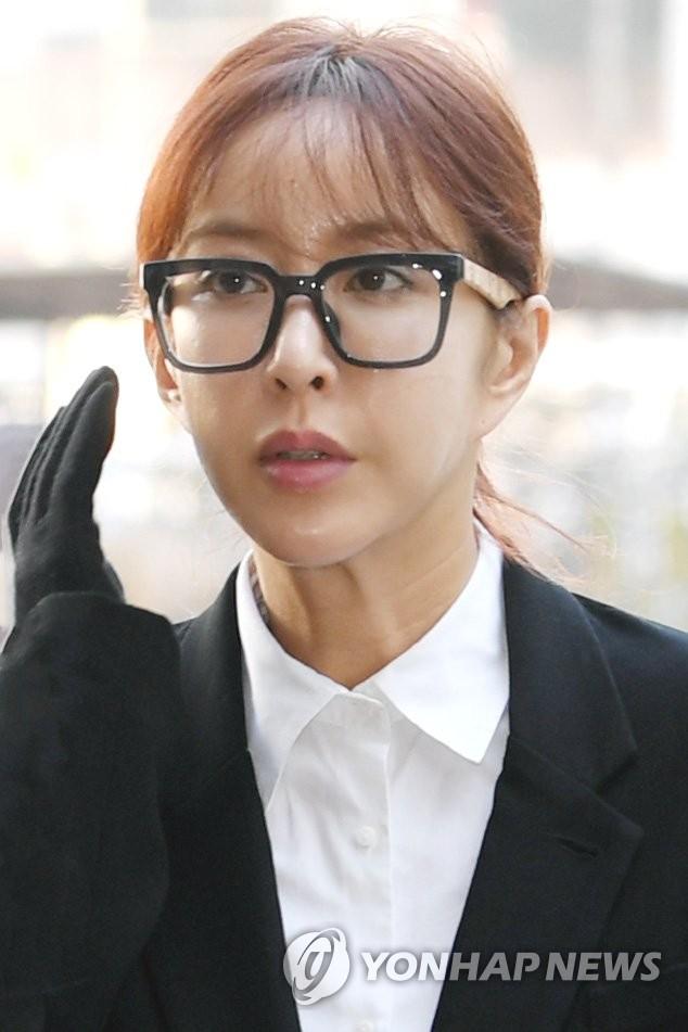 가수 슈 첫 공판 출석 당시 모습 / 연합뉴스